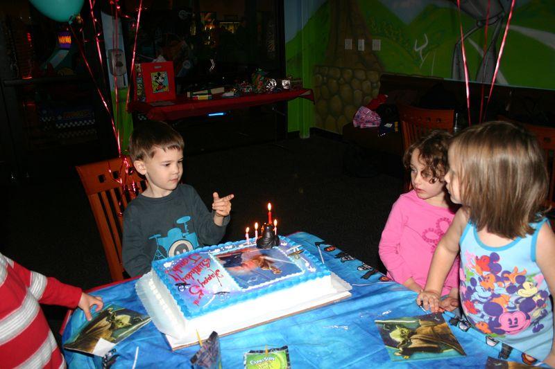 Jonah birthday - holiday show 033 copy